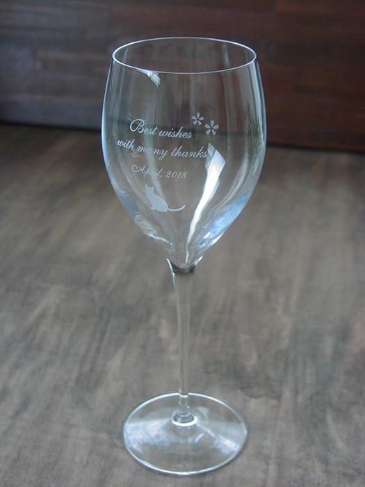 誕生日プレゼントにメッセージ入りワイングラス