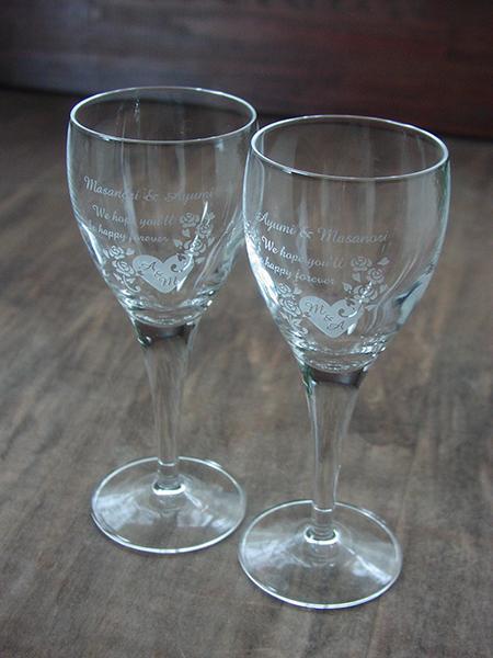 ご結婚祝いのペアワイングラス