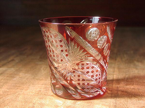 定年のお祝いに赤の切子グラス(名入れ)